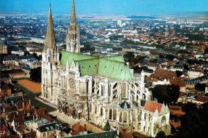 https://transfertparisgo.com/wp-content/uploads/2020/04/Chartres-300x200.jpg